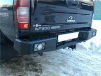 Задний бампер Nissan NP300